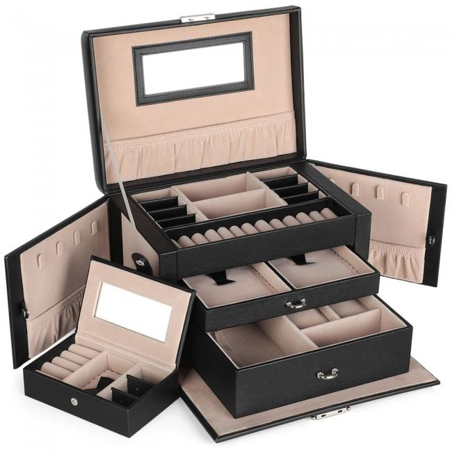 Pudełko z szufladkami na biżuterię
