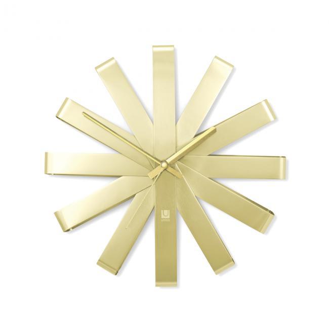 Zegar ścienny w kolorze złotym