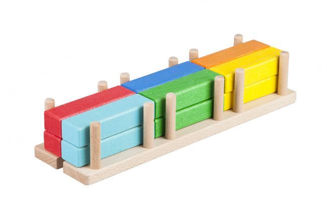 Drewniane klocki - bale do układania na platformie