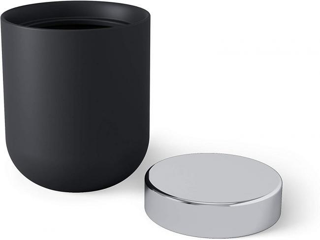 Pudełeczko czarne - srebrna pokrywka - na patyczki do uszu